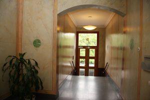 design-dekorationsmåleri av entré och trapphus. 1ex av ca 100 uppdrag
